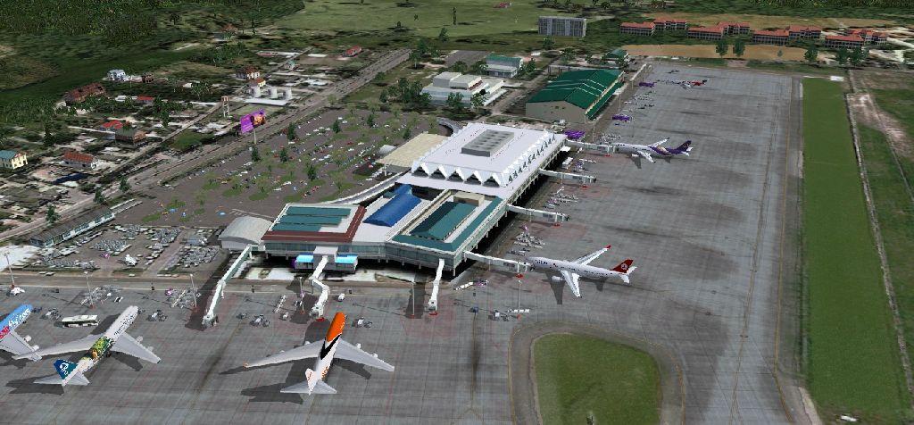 泰国的普吉岛在东南亚吸引了大量的国内外旅客,所以普吉岛机场也成为了泰国第二繁忙的机场,年吞吐三百万旅客。 A_A Sceneries开发了FSX版本的插件,使用了GMAX建模以及FSX天气特性,并且使用了照片贴图进行建模,重绘海岸线。 整个机场具有定制的3D物体、贴图以及灯光等,跑道灯、滑行道灯都有建模。更多详情和特性请访问产品页面。